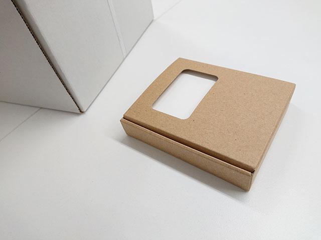 クラフトダンボール紙製
