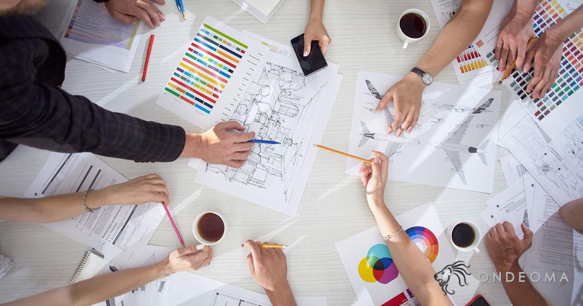 名刺を業者に依頼してオリジナルデザインのものを作る